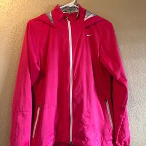Women Nike Windbreaker, Medium